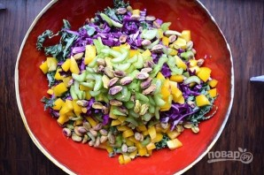Салат с виноградом и фисташками - фото шаг 9