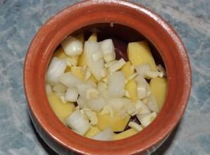 Баранина с овощами в горшочках - фото шаг 4