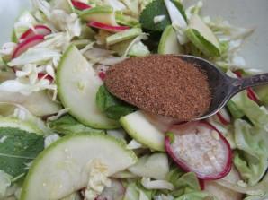 Салат по-корейски из капусты с редисом и кабачком  - фото шаг 7