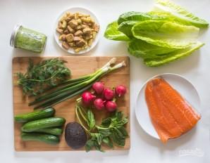 Салат с лососем и авокадо - фото шаг 1