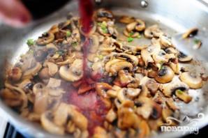Бифштекс в грибном соусе - фото шаг 8