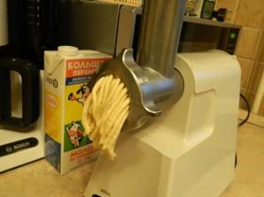 Печенье песочное через мясорубку - фото шаг 2