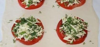 Пирожки с сыром и зеленью - фото шаг 2