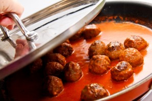 Куриные тефтели в томатном соусе - фото шаг 5