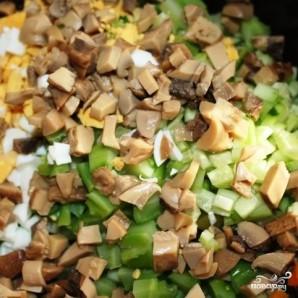 Сытный новогодний салат - фото шаг 19