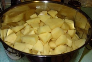 Картошка с курицей, тушеная в кастрюле - фото шаг 3