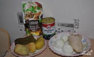 Салат с курицей и солеными огурцами - фото шаг 1