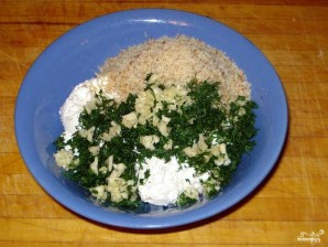 Салат из творога с чесноком - фото шаг 5