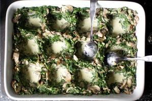 Яйца, запеченные с грибами и шпинатом - фото шаг 5