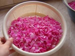 Розовое варенье - фото шаг 3