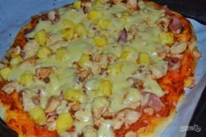Пицца с курицей и ананасами - фото шаг 7