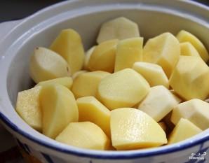 Картофельное пюре с жареным луком - фото шаг 1