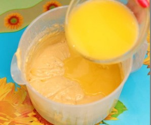 Пирог с ананасами в мультиварке - фото шаг 5