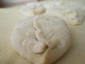 Пирожки из теста на кефире - фото шаг 10