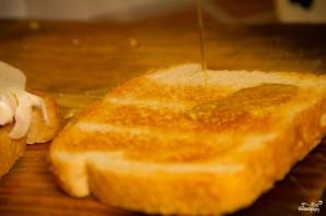 Бутерброды с моцареллой - фото шаг 3