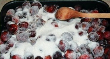 Варенье из слив в духовке - фото шаг 4
