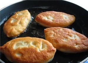Тесто на пирожки с картошкой - фото шаг 4