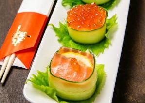 Суши с огурцом - фото шаг 9