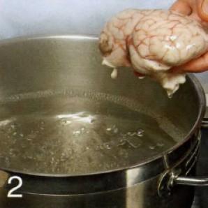 Телячьи мозги в панировке - фото шаг 2