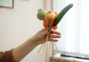 Букет из овощей своими руками - фото шаг 4