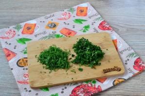 Обалденные колбаски с зеленью и чесноком - фото шаг 2