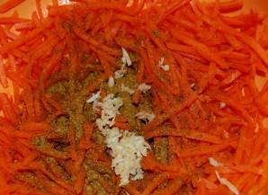 Салат из фунчозы с морковью - фото шаг 2