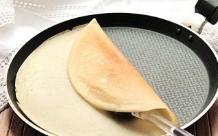 Блинчики на кефире, заваренные кипятком - фото шаг 7