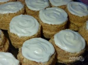 Бисквитные пирожные с кремом - фото шаг 14