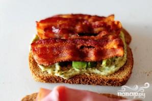 Сэндвич с беконом, ветчиной и индейкой - фото шаг 3