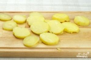 Картофель и сыр с плесенью - фото шаг 1