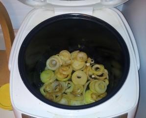 Отбивные с яблоками в мультиварке - фото шаг 2