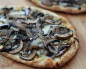 Постная пицца с грибами - фото шаг 6