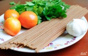 Спагетти с базиликом и помидорами - фото шаг 1