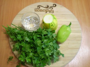 Зеленый коктейль с перцем - фото шаг 1