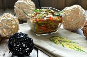 Хрустящий салат с курицей и овощами - фото шаг 4
