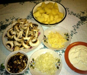 Картошка в горшочках с грибами - фото шаг 1