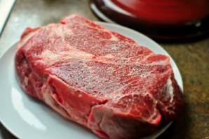 Лопатка говяжья в духовке - фото шаг 2