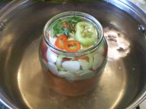 Закатка помидоров в литровые банки - фото шаг 6