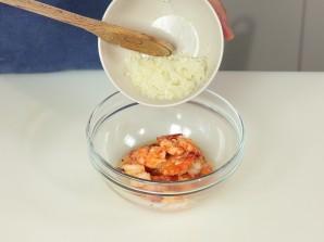Жареные креветки с авокадо - фото шаг 7