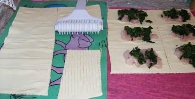Слоеные пирожки с рыбой - фото шаг 5
