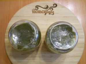 Салат из помидоров и огурцов на зиму - фото шаг 10