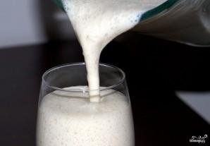 Молочный коктейль в блендере - фото шаг 5
