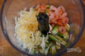 Закуска на крекерах с кремом из авокадо - фото шаг 2