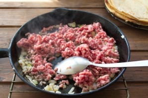Фаршированные блины с мясом - фото шаг 6