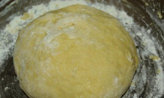 Дрожжевое тесто на сыворотке - фото шаг 4