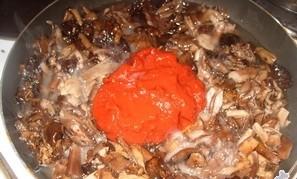Маринованные опята в томатном соусе - фото шаг 4