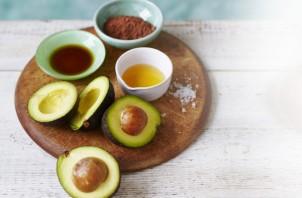 Шоколадный мусс из авокадо - фото шаг 1