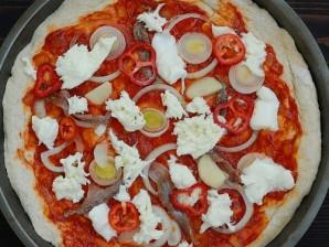 Пицца с анчоусами в мультиварке - фото шаг 5