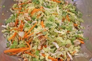 Салат с китайской капустой и курицей - фото шаг 4