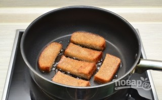 Рецепт гренок с чесноком и сыром - фото шаг 3